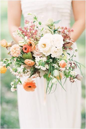 bouquet-with-apricot
